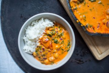 Roasted Red Pepper, Chickpea & Spinach Curry (Vegan)