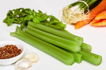 9 Amazing Reasons to Eat more Celery in the Evening