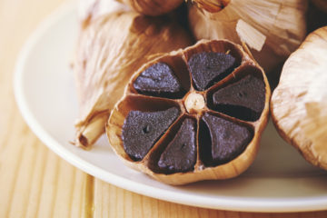 Black Garlic: The Most Potent Antioxidant which can Destroy Cancer Cells?
