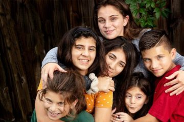 A 20-Year-Old Takes Care of 5 Siblings after both Parents Die from Cancer