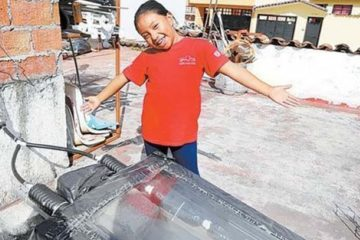 8-Year-Old Girl from Mexico Wins a Prize for Designing a Solar Heater from Recycled Stuff