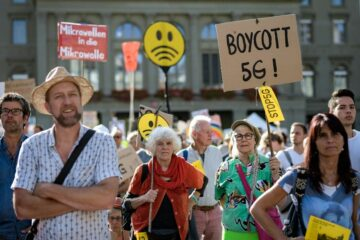Thousands of People in Switzerland Protest as they're being Exposed to 5G Radiation