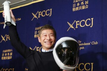 I'll Fly You to the Moon: Japanese Billionaire Is Looking for a Lady to Join Him on a Flight to the Moon