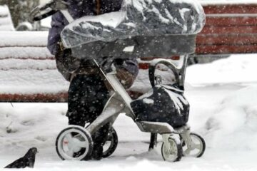 Baby in Russia Left Alone on a Balcony Freezes to Death