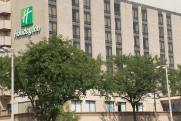Retiree Plans To Spend Rest Of Life In A Holiday Inn Since It's Cheaper Than Senior Homes