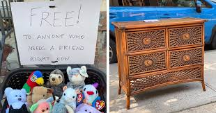 This NYC Instagram Shares the Free Items People Leave outside their Stoops
