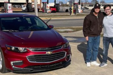 This Town Gifted their Pizza Deliveryman with a Car for His 30 Years of Service