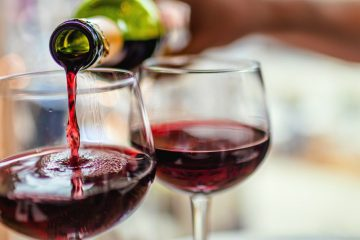 Wine Destroys Bacteria which Causes Dental Plaque & Sore Throat, Found New Study