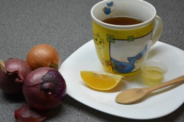Dermatologist Recommends a Surprising Trick for a Youthful Skin: It's Onion Tea!
