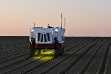 New Smart Farming Robot 'Smokes' Weeds with Its High Power Lasers for Healthy Weeding