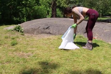 Colorado Woman Spent Her Vacation Picking Up Trash through the US: Strangers Chipped in with Help & Gas