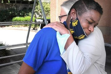 Kroger Store Gives Job to a Homeless Woman Who Spent Days Sleeping on their Parking Lot