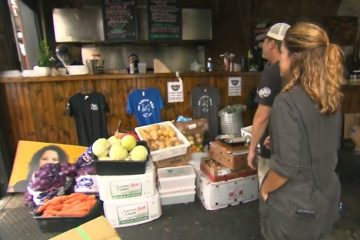 Music Venue Serves Meals to New Orleans Residents without Power