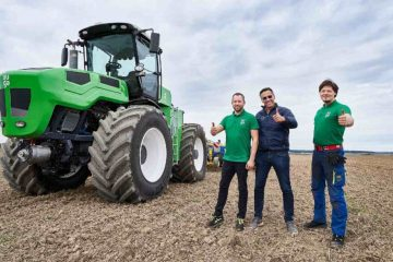 World's First: All-Green Eco-Friendly Tractor Will Fight against European Farming Emissions